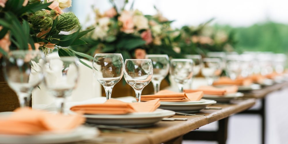 Your Guide to Booking Vendors for Your Wedding