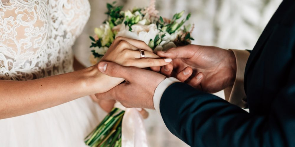 An Indoor or Outdoor Wedding: Which Is Right for You?